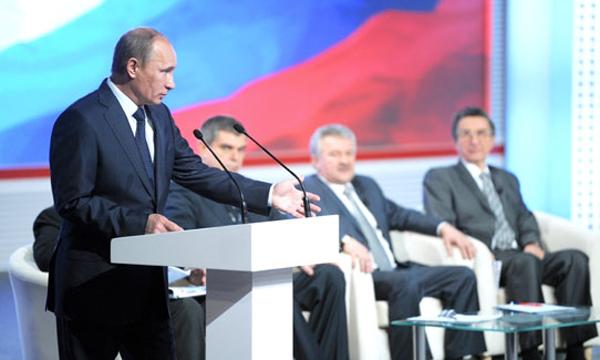Программы переподготовки экипажей в связи с выводом из эксплуатации самолетов Ту-134, Ан-24 и Ан-26 будут продолжены...