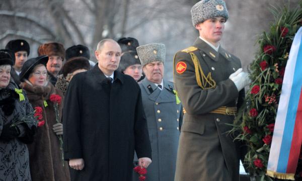 фото могилы брата путина на пескарёвском кладбище основному ключевому