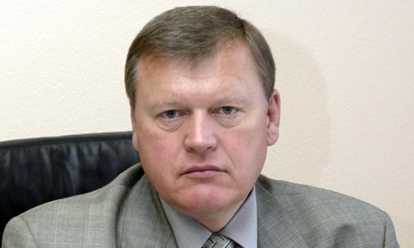 Юрий Васильев: Необходимо находить новые ресурсы для поступления финансов в бюджет, в частности, повышая акцизы на алкоголь и табак, рационально используя доходы нефтегазового сектора