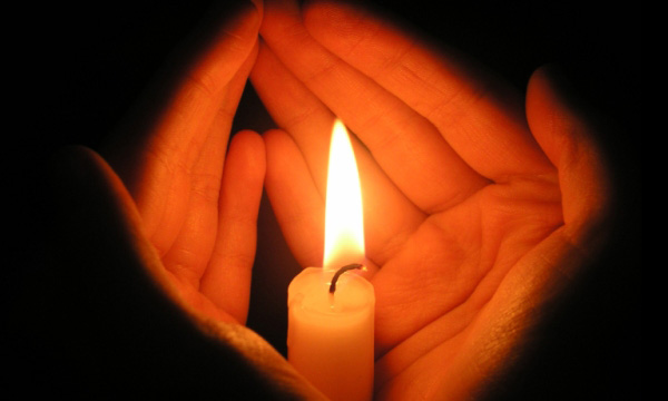 Наши дети горели, а мы просто наблюдали В пожаре в торговом центре в Кемерово погибли не меньше 64 человек. Репортаж Ирины Кравцовой