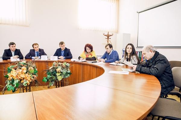 Депутаты г гурьевска калининградской обл фото