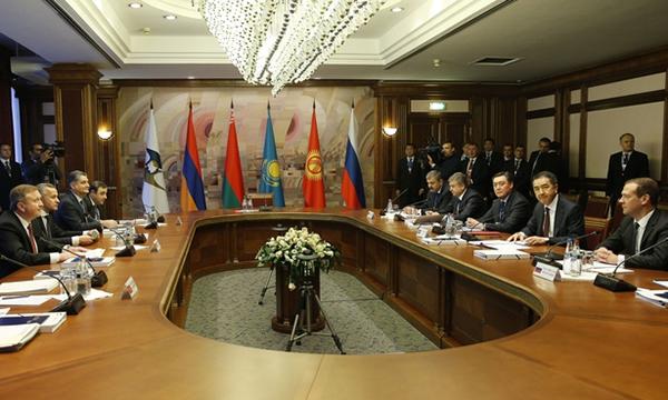 Премьер РФ призвал коллег поЕАЭС исполнять обязательства поформированию единых рынков