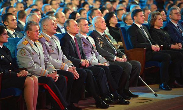 Владимир Путин поздравил служащих МВД спрофессиональным праздником