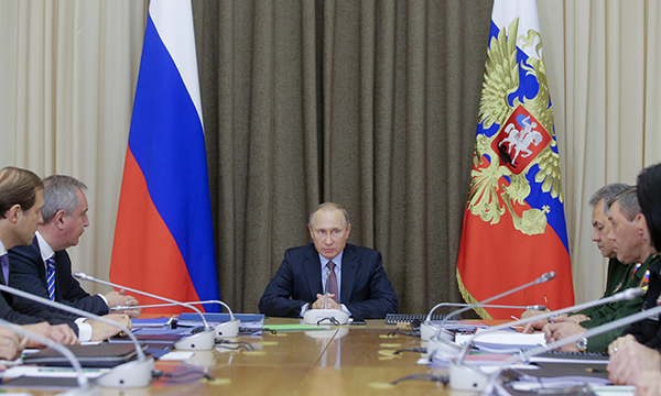 Путин: Доля современного вооружения вРФ должна превысить 50% вдекабре