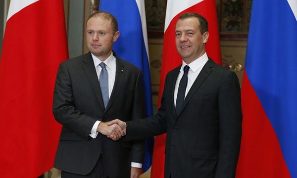 Медведев обсудит смальтийским коллегой председательство вСоветеЕС