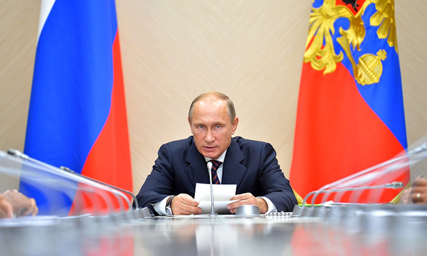 Развитие вооруженных сил недолжно служить помехой развитию экономики исоцсферы— Путин