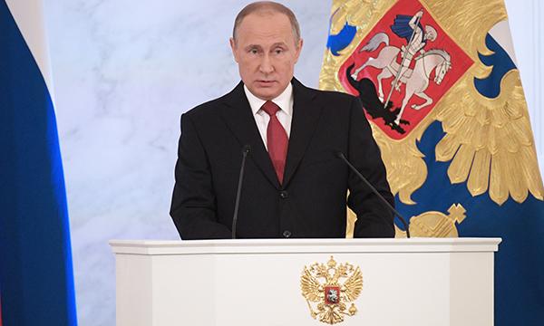 Путин объявил о обоюдной ответственности деятелей культуры игражданского общества