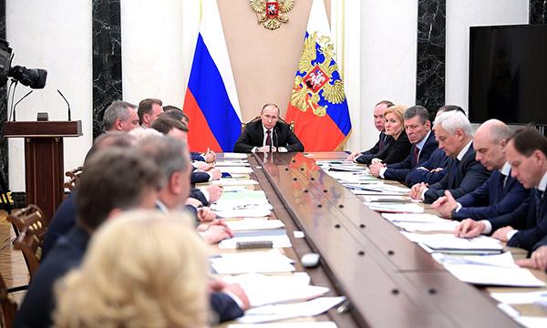 Путин поручил к 2018  внедрить систему управления домами