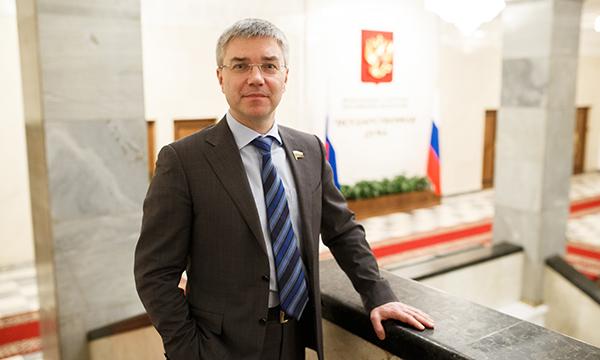 Вячеслав ДВОРАКОВСКИЙ поздравил СМИ Омска спостсоветским Днём печати