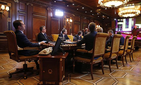 Медведев: Допфинансирование должно приближать строительство новых школ вРФ