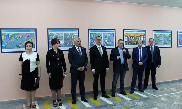 В рамках партпроекта в гимназии Екатеринбурга открылся класс безопасности дорожного движения