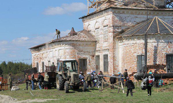 Партийцы Коми помогут восстановить церковь в селе Подъельск