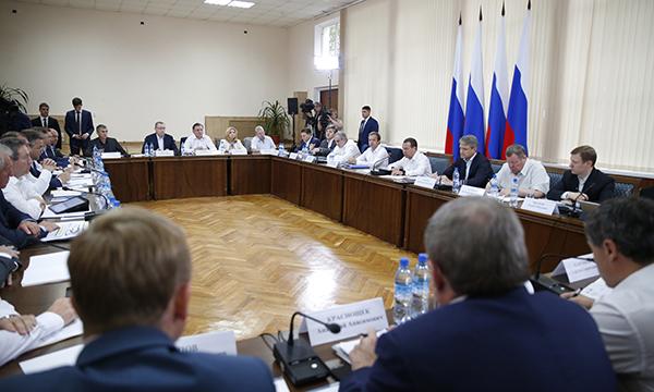 Медведев предложит Путину сохранить условия снобжения деньгами  АПК в предстоящем году