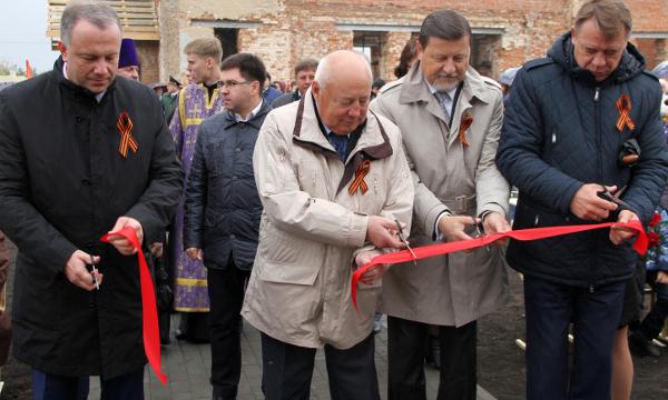 В рамках партпроекта в Мордовском районе открылся мемориал