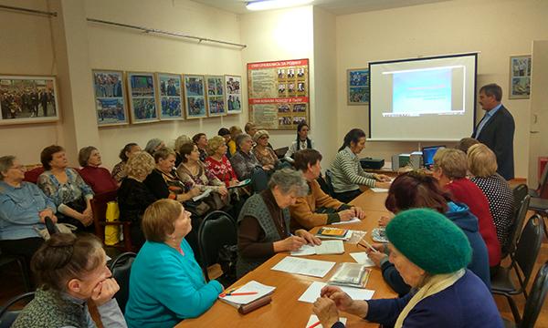 В Кирове начались выездные занятия Школы садоводов