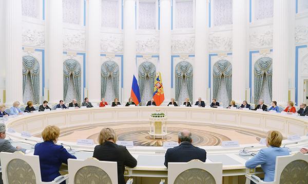 Нужно перезагрузить нашу политику демографического развития— Путин