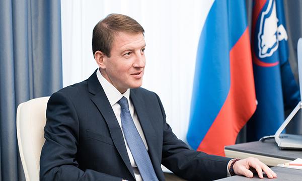 Путин утвердил проведение в РФ Года добровольца в предстоящем 2018г.