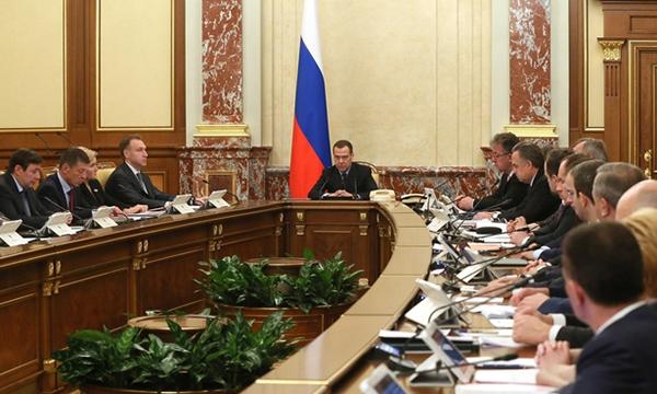 Медведев: Дефицит бюджета за 9 месяцев 2017 года составил 0,3% ВВП