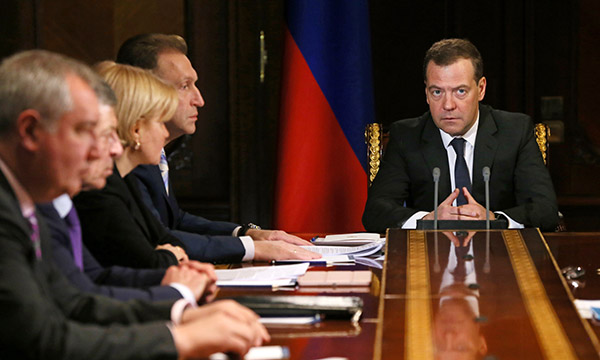 Медведев утвердил дорожную карту устройств государственно-частного партнерства