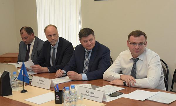 Квитка: Уральский МКС помогает совершенствовать профессиональные навыки партийцев