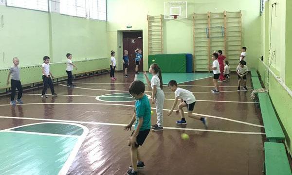 В Мурманской области в рамках партпроекта «Детский спорт» отремонтировали пришкольные спортивные площадки
