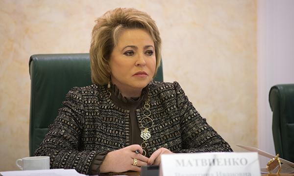 Матвиенко не видит препятствий для прохождения через Госдуму законопроекта о запрете клеток в судах
