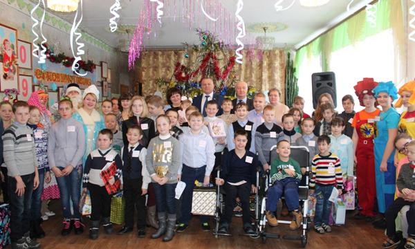 В Брянской области более 25 тысяч детей получили подарки от «Единой России»