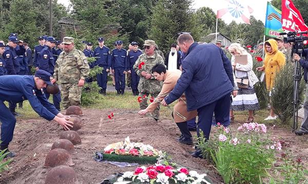 В селе Голубея захоронили останки 25 воинов, погибших в годы Великой Отечественной войны