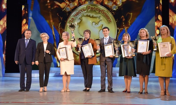 В Уфе наградили победителей конкурса «За честь Республики!»