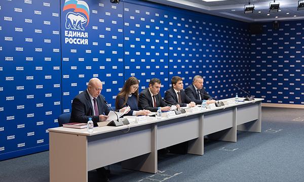 «Единая Россия» запустит проект по увековечиванию памяти Героев РФ