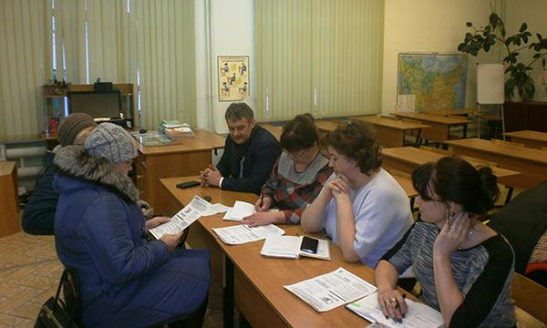 Партийцы проконсультировали фурмановцев по вопросам благоустройства