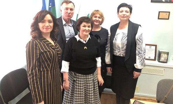 Депутат Госдумы рассказал жителям ХМАО о мерах соцподдержки семей с детьми