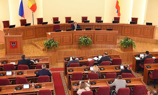 Донские депутаты предложили продлить на 2021 год часть антикризисных мер поддержки экономики в период пандемии