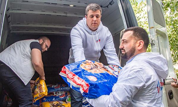 Одинцовскому приюту для животных передали почти тонну корма