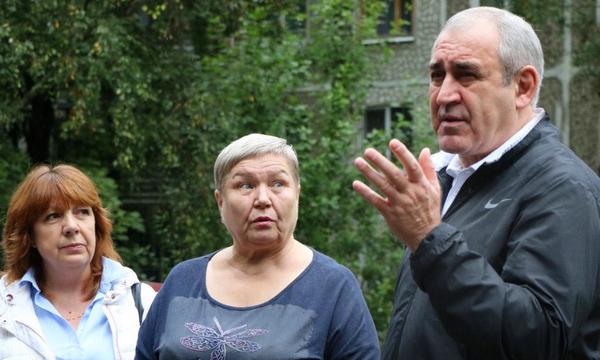 Сергей Неверов помог жителям Смоленска добиться ремонта крыши и фасада жилого дома