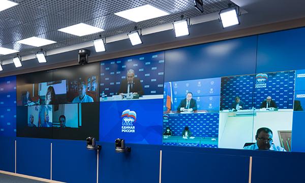 Антон Котяков: Минтруд готов обсуждать предложение «Единой России» о введении страхования занятости в РФ
