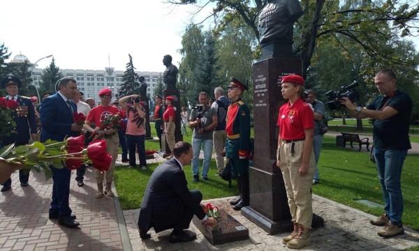 Александр Хинштейн и Владимир Мединский открыли Аллею Маршалов в Самаре